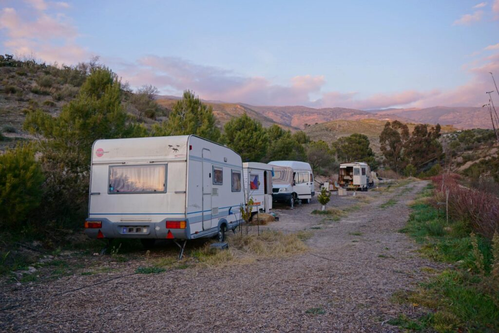 The wwoofer's caravans in Badulina, the community life